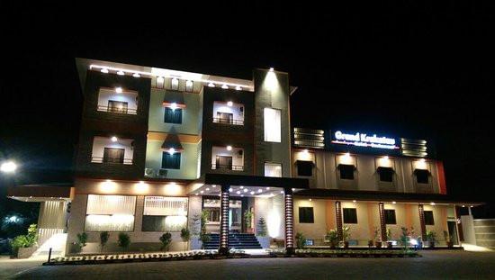 Grand Krakatau Hotel